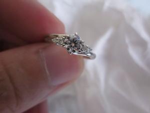 ダイヤモンド付きのPTリング